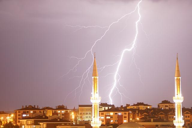 lightning-992341_640