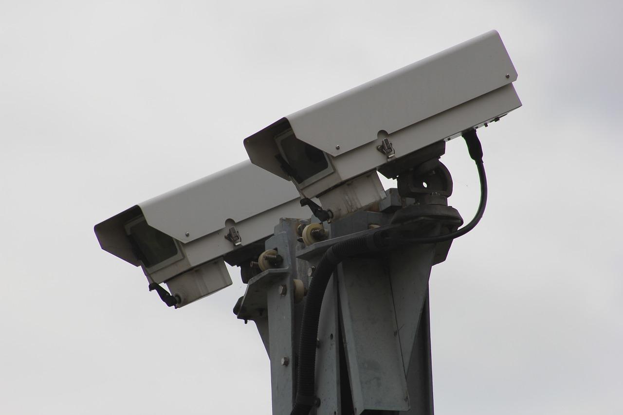 security-camera-834173_1280